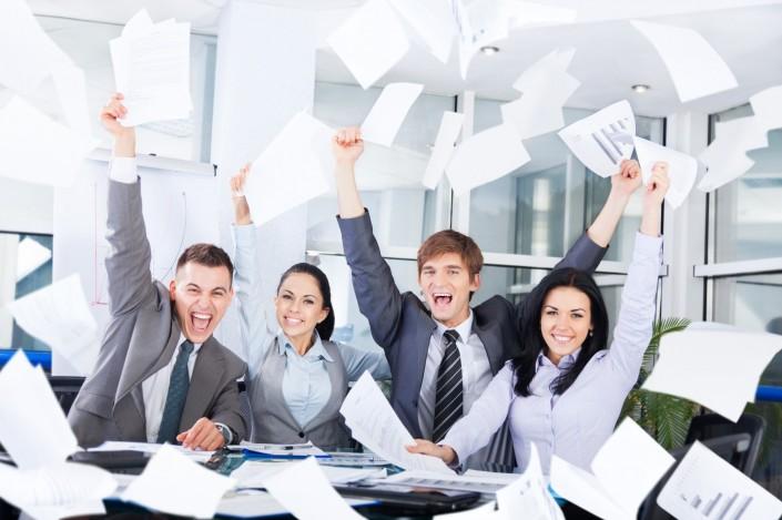 Zakelijk geluk gelukkige medewerkers